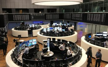 Europe Edges Lower; FTSE 100 Outperforms